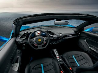 150397_ferrari488spider_interni_2945