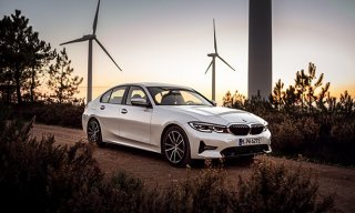 p90386736_highres_the-2021-bmw-330e-se