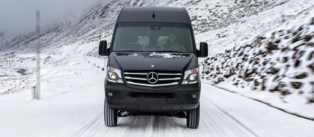 mercedes benz sprinter 2015 un mod le 4x4 s 39 ajoute la gamme guide auto. Black Bedroom Furniture Sets. Home Design Ideas